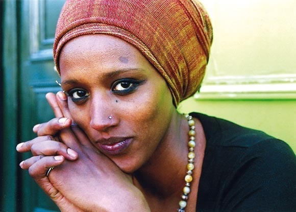 http://www.africavivre.com/images/stories/Agenda/Mo_Kalamity.jpg